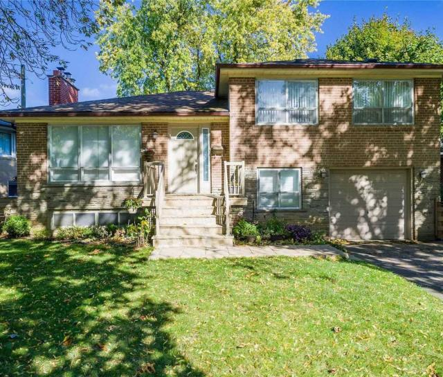 19 Brucedale Crescent, Bayview Village, Toronto 2