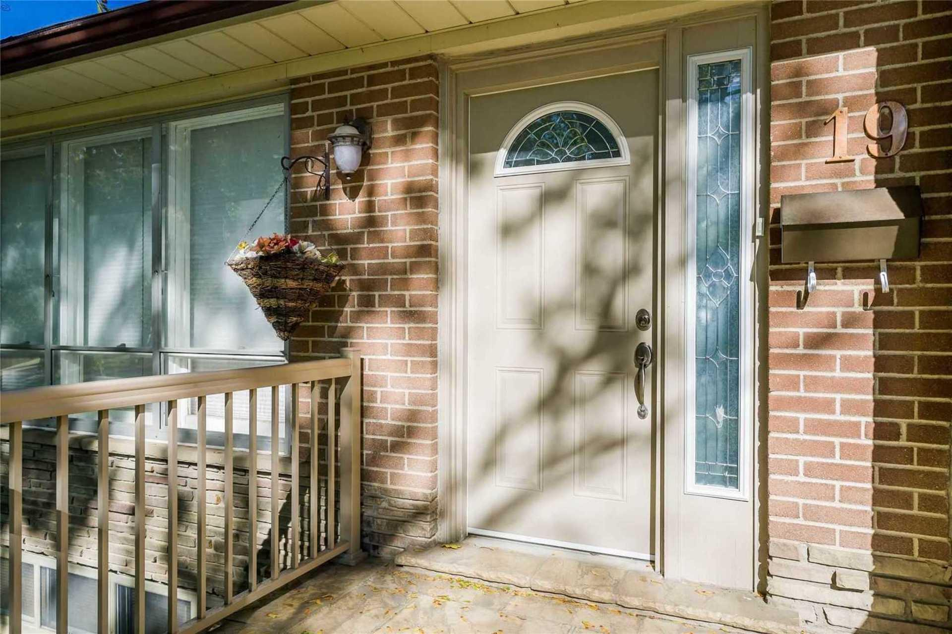 19 Brucedale Crescent, Bayview Village, Toronto