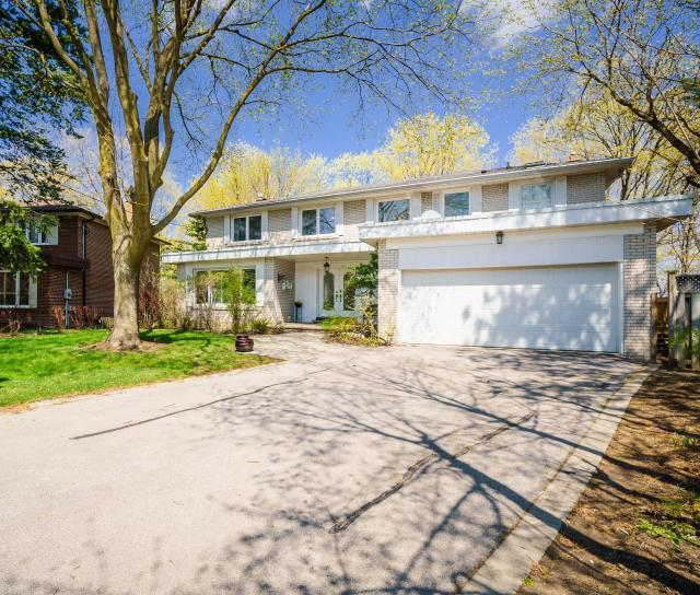 22 Woodthrush Court, Bayview Village, Toronto 2