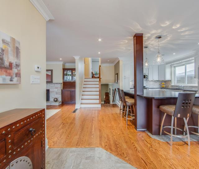 SALE #468 - 24 Flaremore Crescent, Bayview Village, Toronto 2