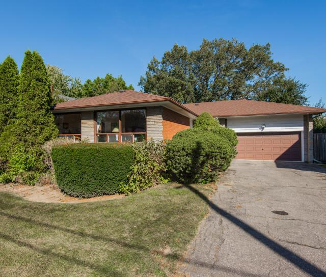 SALE #467 - 19 Burbank Drive, Bayview Village, Toronto 2